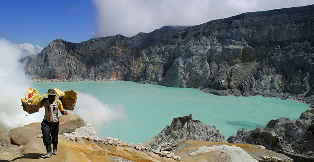 Ijen-Crater_01