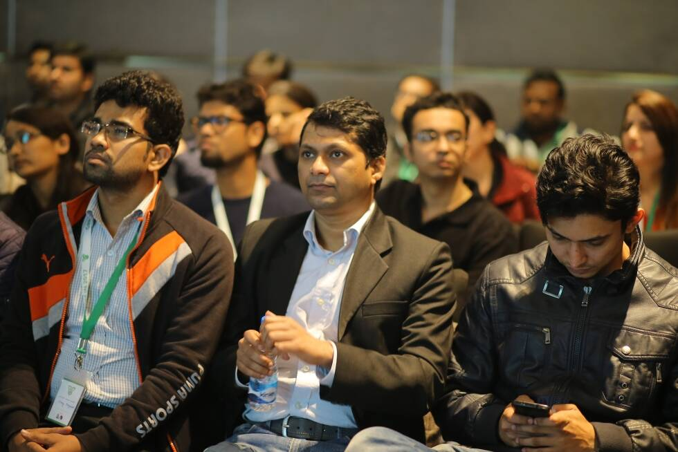 audience-listening-at-GR8Conf